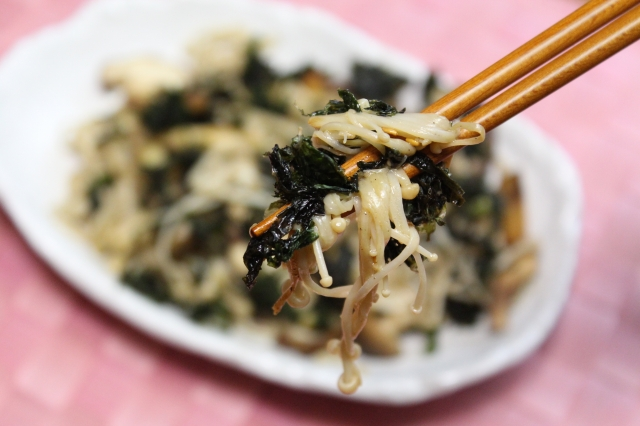 きのこのバター醤油炒め(バラ海苔)